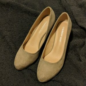 Madden girl taupe tan heels suede type material